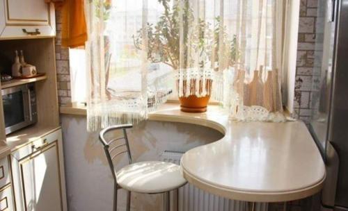 Шторы на маленькое окно кухни
