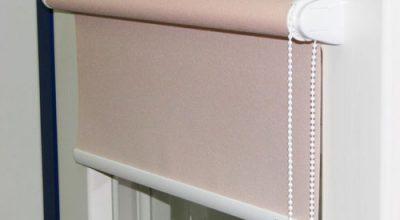 Как помыть рулонные шторы