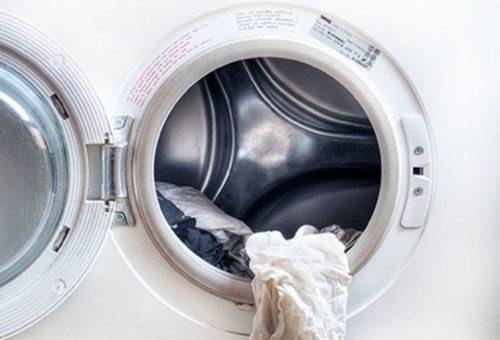 Как чистить рулонные шторы в домашних условиях
