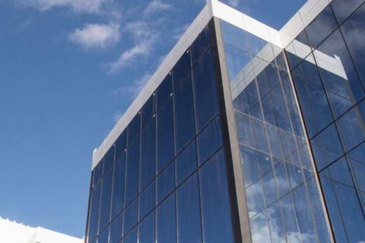 Архитектурные конструкции из закалёного стекла